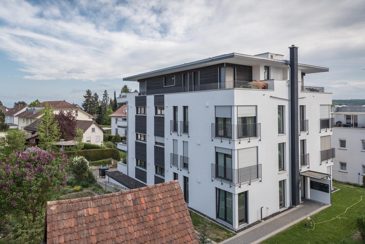 Design-Mehrfamilienhaus mit Seesicht