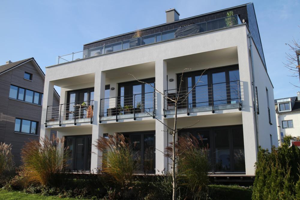 Mehrfamilienhaus mit 2 Wohnungen