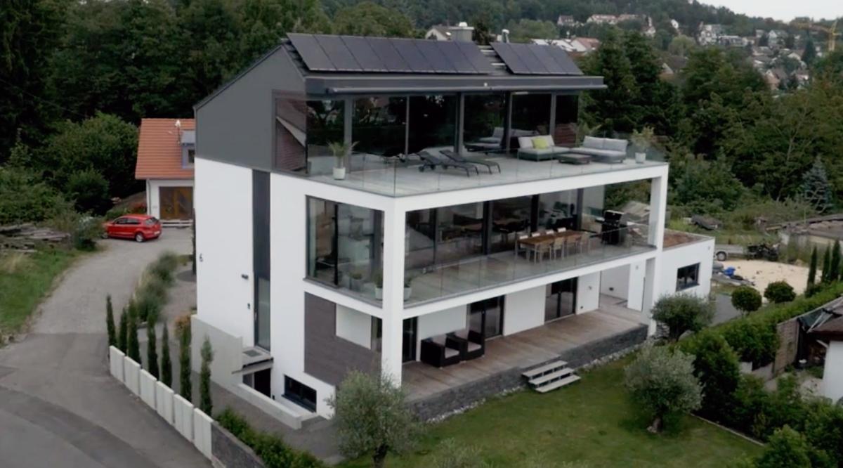 Design-Einfamilienhaus mit See- und Alpensicht